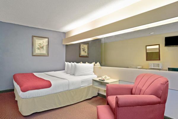 Smoking King Suite Room