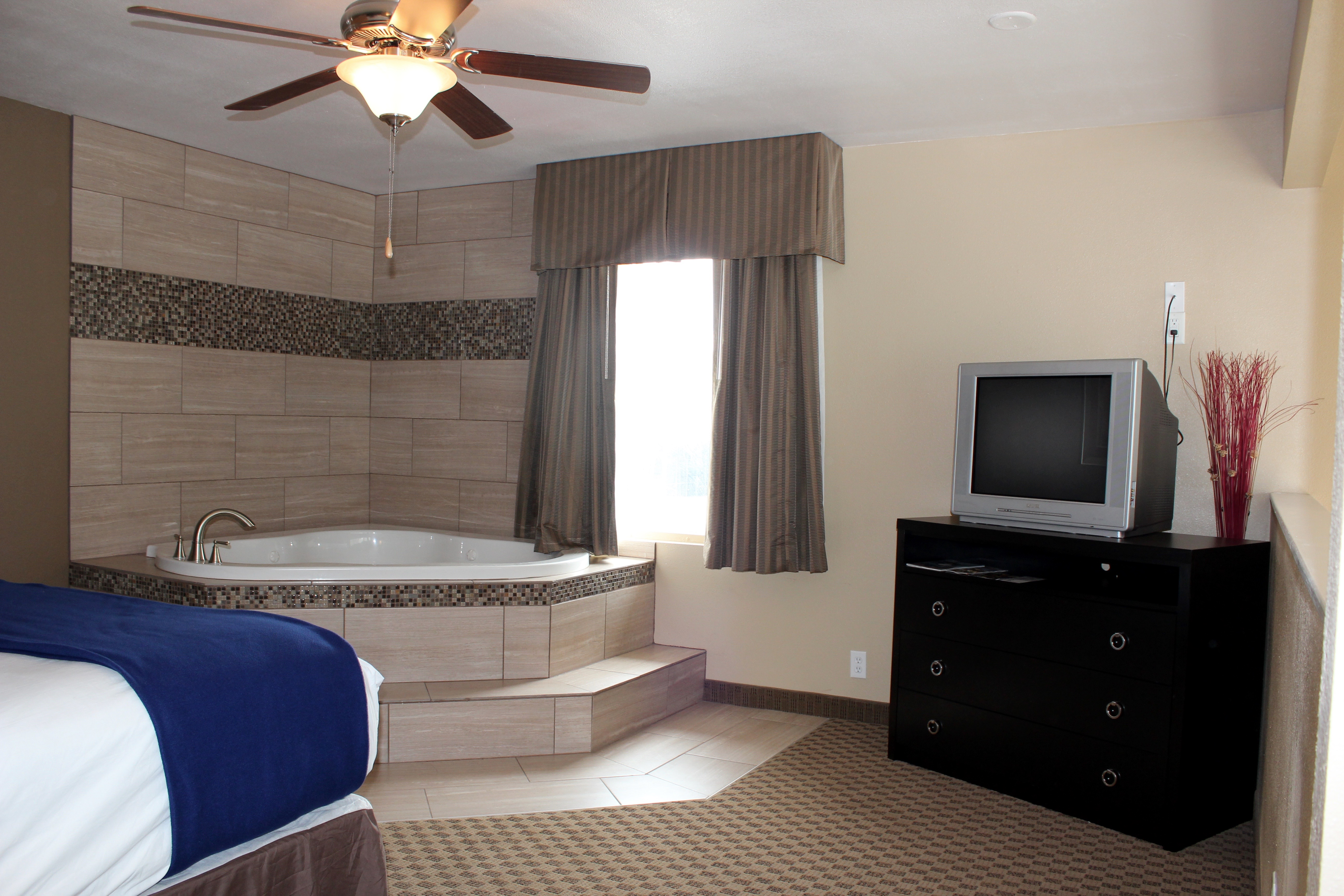 view hotel room types at stay express hotel fort worth